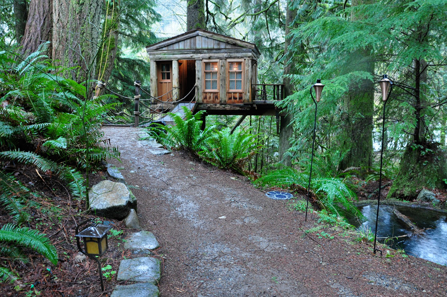 Quaint Treehouse Tiny House Swoon