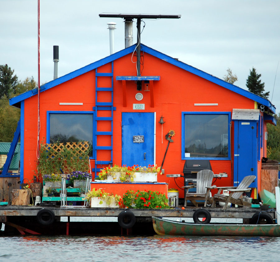 off-the-grid-houseboat