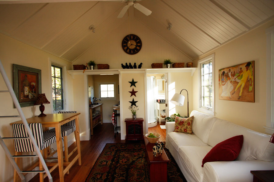 Delightful Tiny Guest House Good Looking