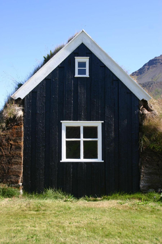 sod-house-iceland-5