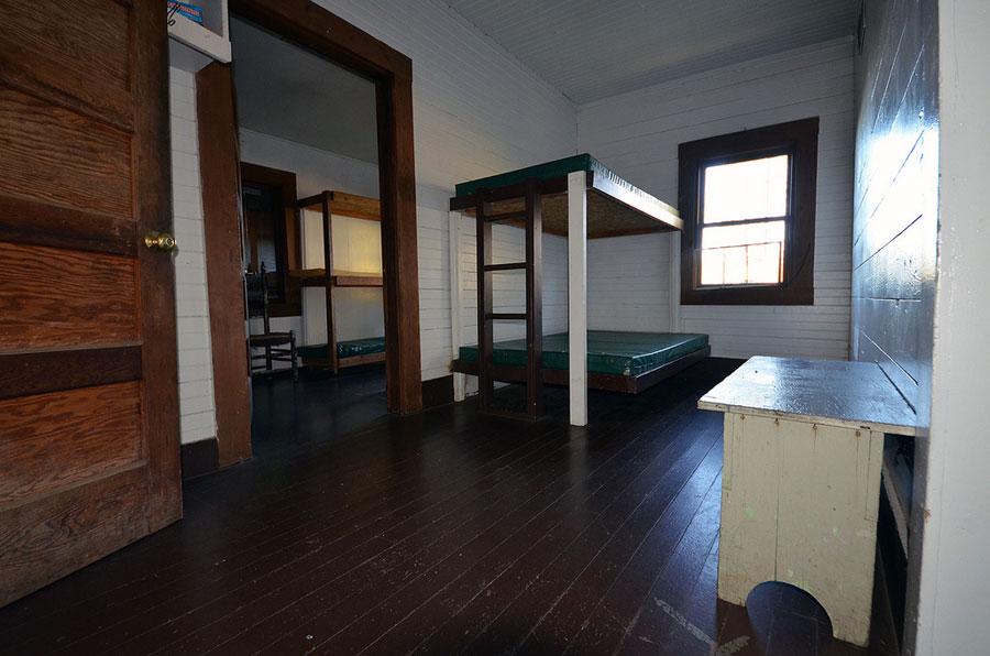 Packer's Cabin - Bedroom Area
