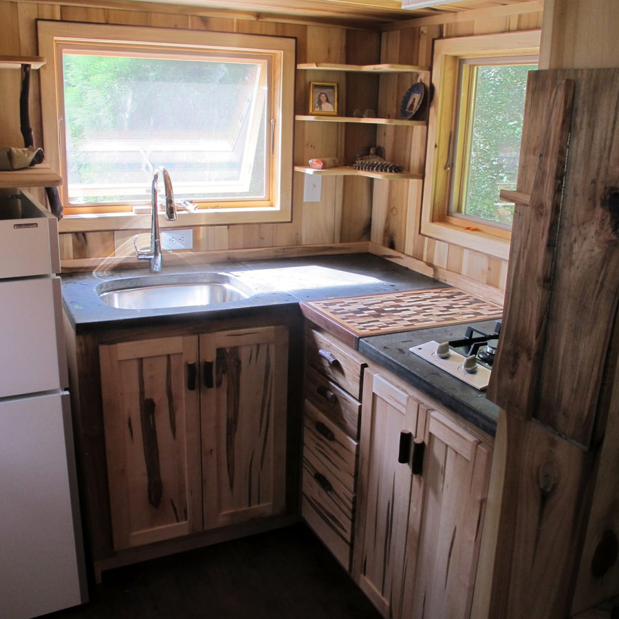 Kitchen Wood Ideas: Georgia Tiny House