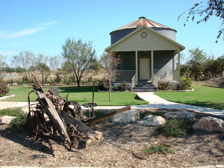 silo-house-1
