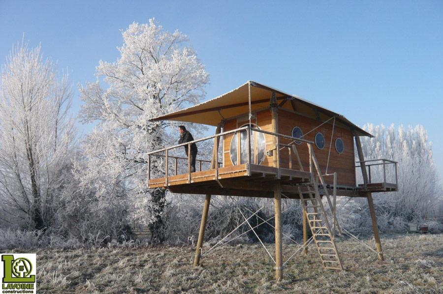 Cabane bois zenzeyos tiny house swoon for Tiny house on stilts