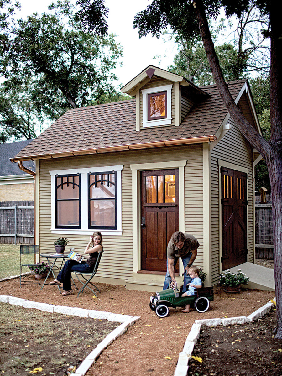 Craftsman bungalito tiny house swoon for Micro cottage builders