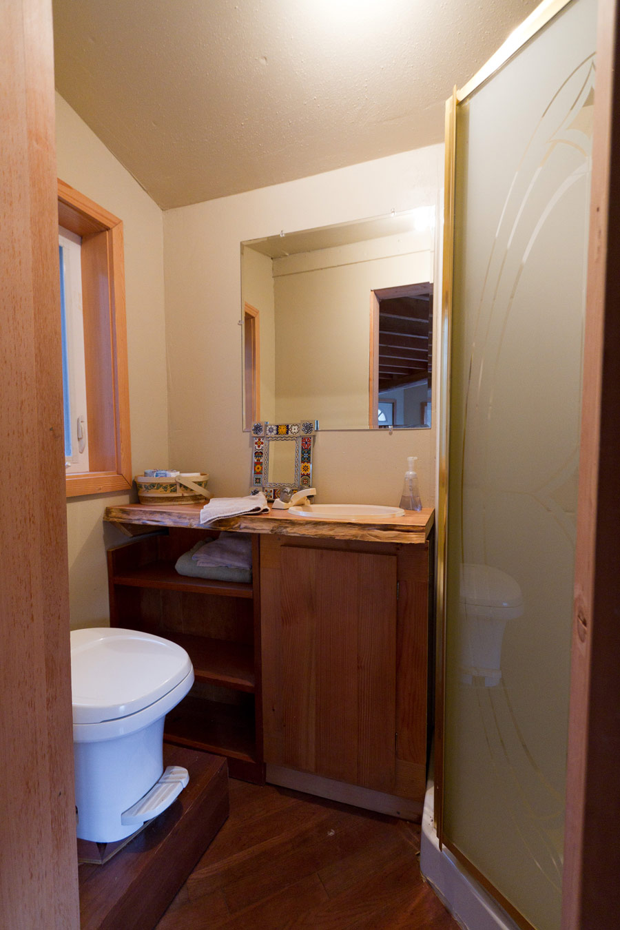 solar octagon cabin tiny house swoon small
