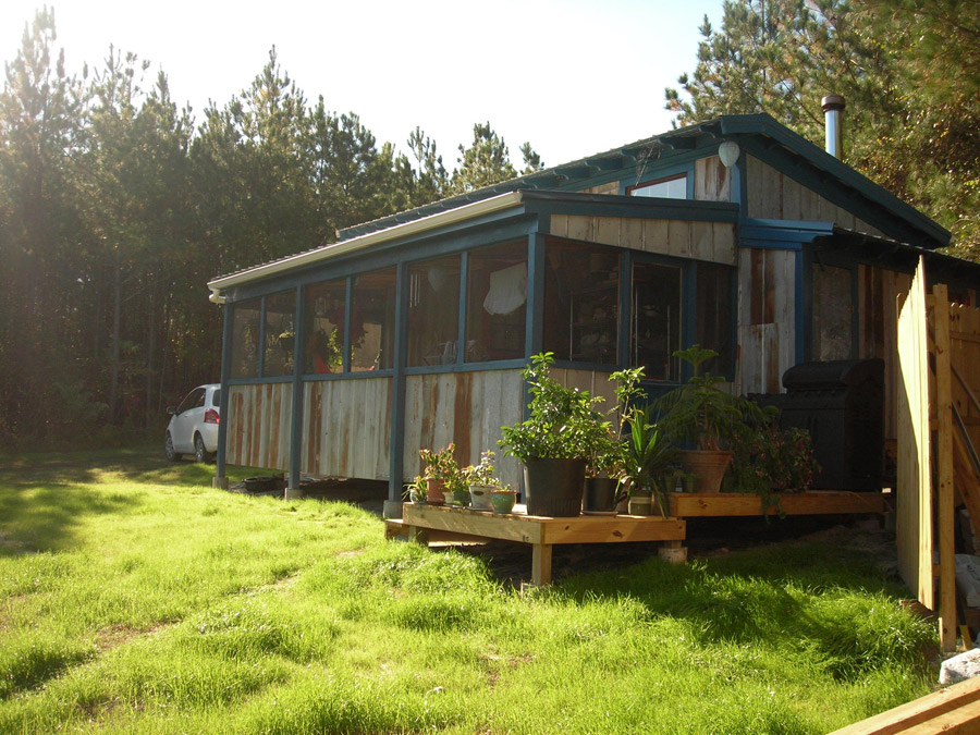 Off grid tiny home tiny house swoon - The off grid tiny house ...