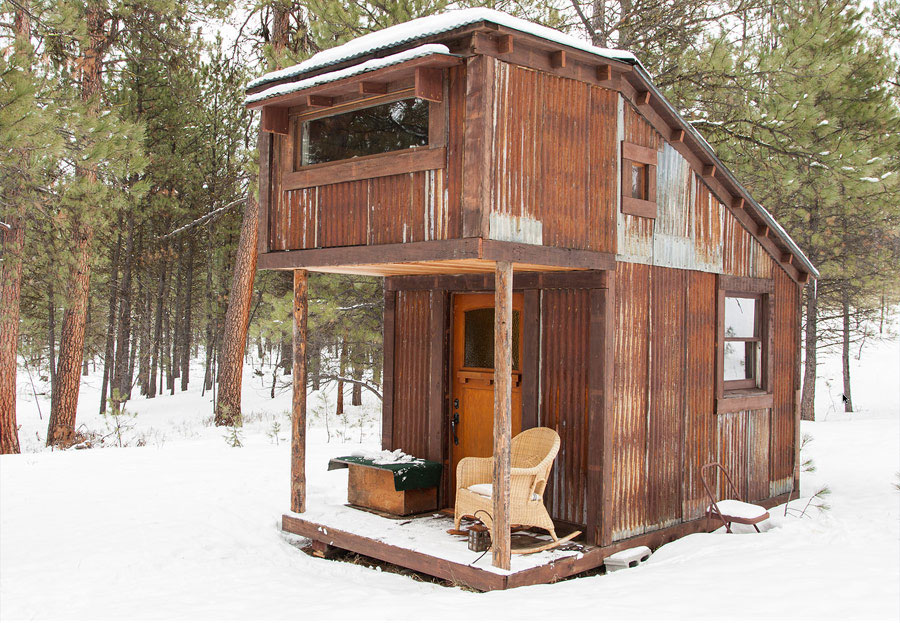Potomac cabin tiny house swoon for Building a small cabin with loft