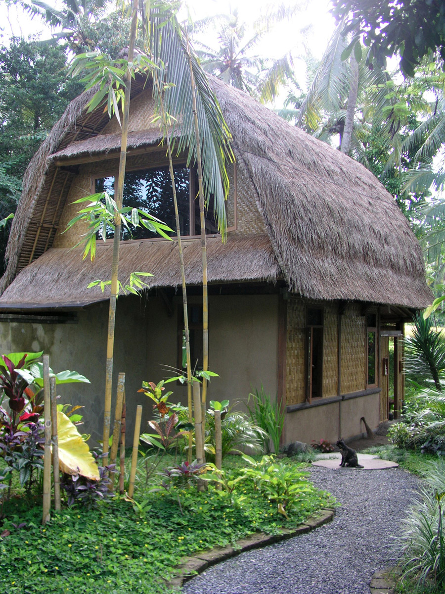 Bali lumbung tiny house swoon for Traditional small house