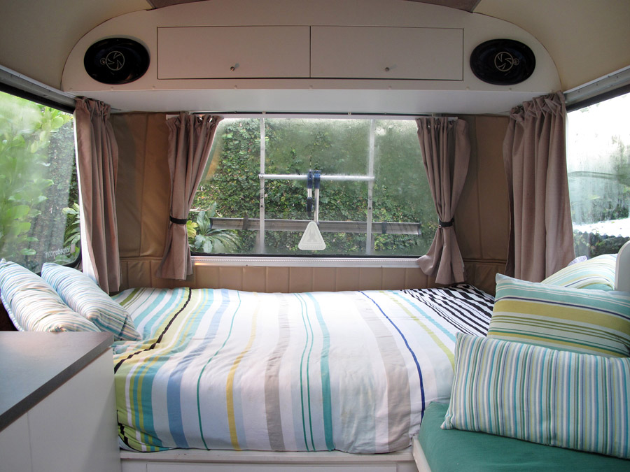 Bedford bus tiny house swoon for Bus interior designs