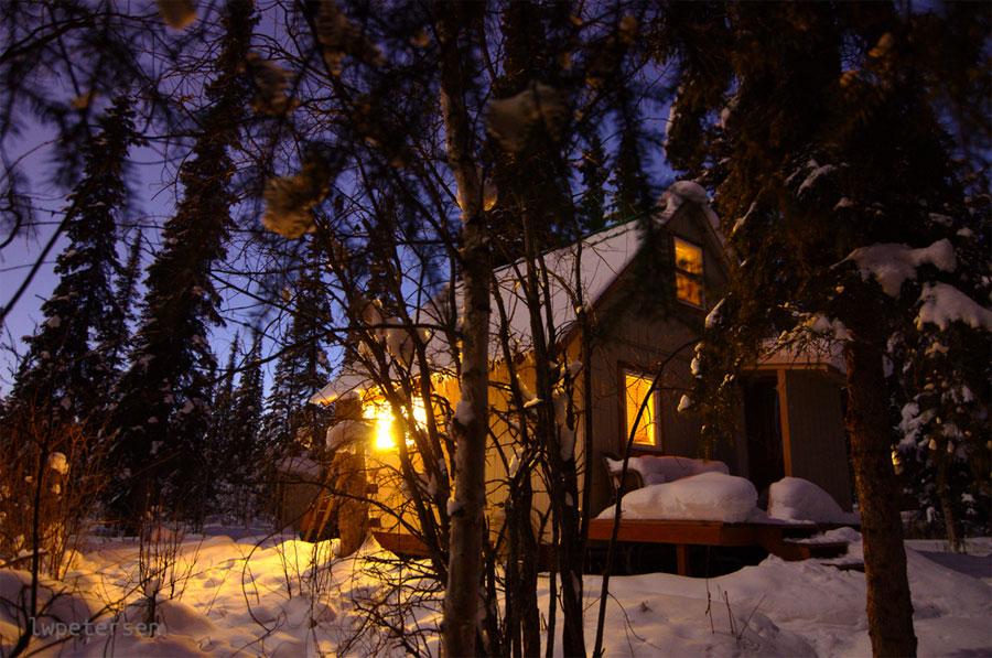 small-alaska-cabin-1