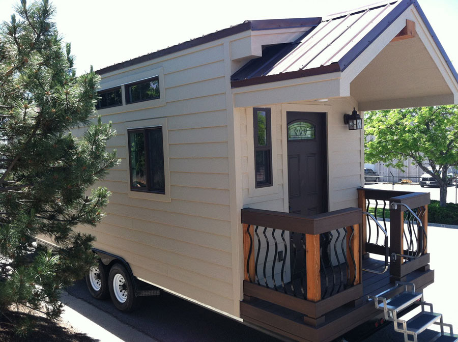 Dakota tiny house tiny house swoon Tiny little houses on wheels