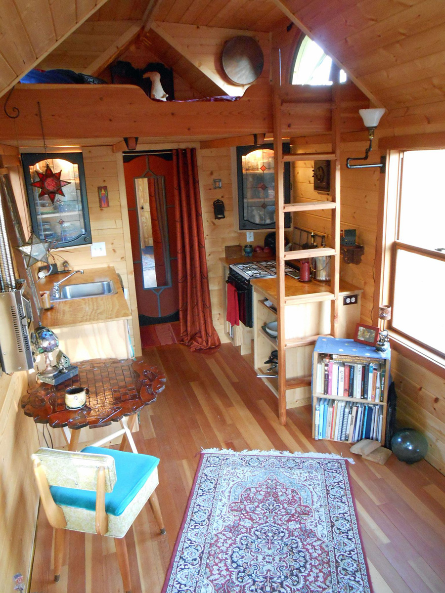 Mighty micro house tiny house swoon for Tiny house interieur