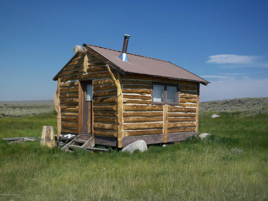 tiny-wyoming-cabin-1