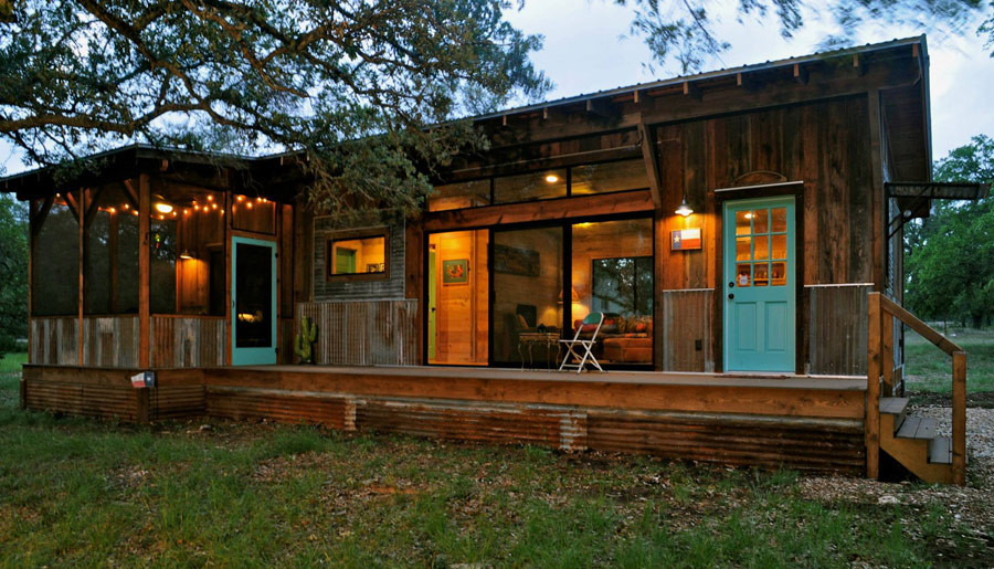 Reclaimed Materials Tiny House Swoon