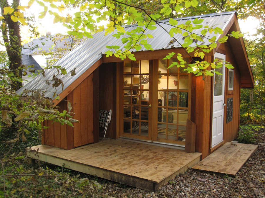 Shed of reality tiny house swoon for Small backyard cabin