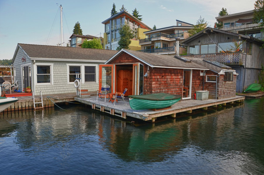 Floating Pied Terre Tiny House Swoon