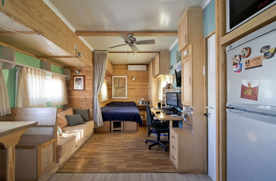 joe 39 s truck house tiny house swoon. Black Bedroom Furniture Sets. Home Design Ideas