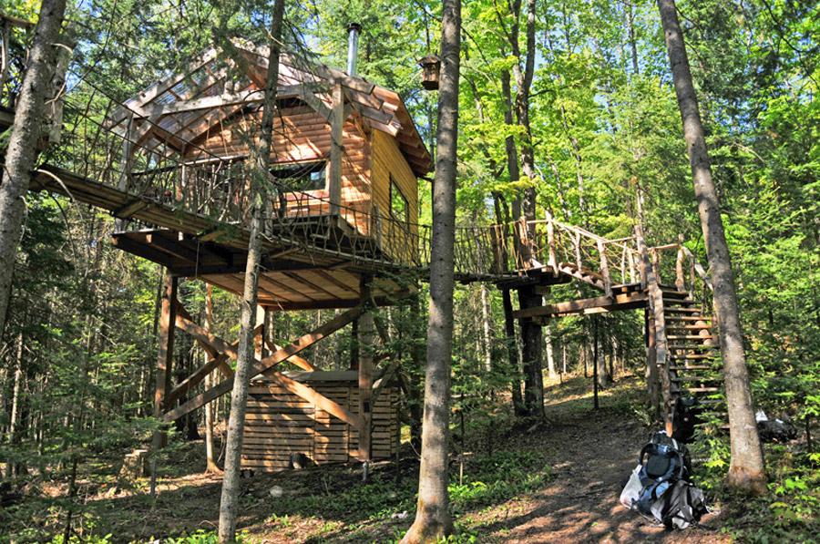 les-toits-due-monde-treehouse-1