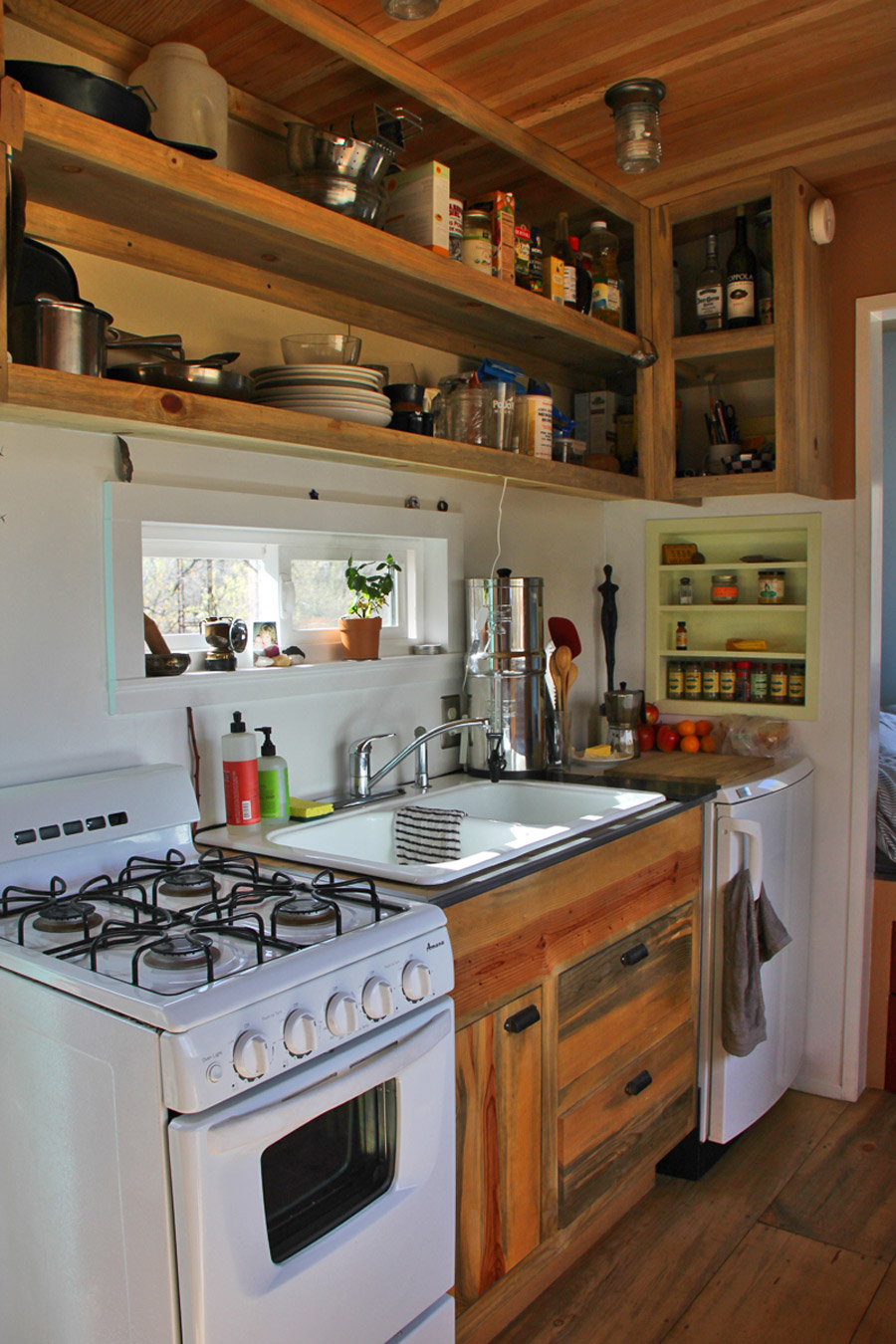 Steely cottage tiny house swoon for Kitchen design for small house
