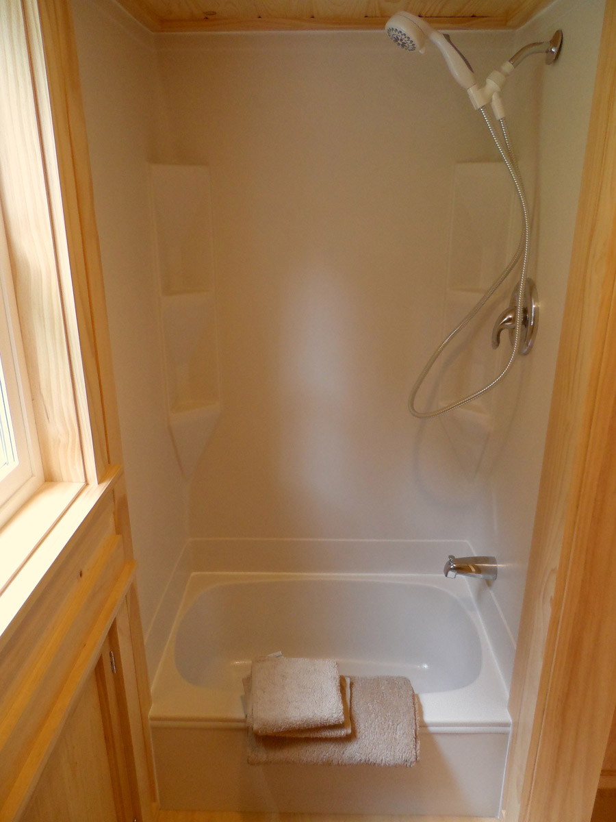 Ynez tiny house tiny house swoon for Tiny bathtub