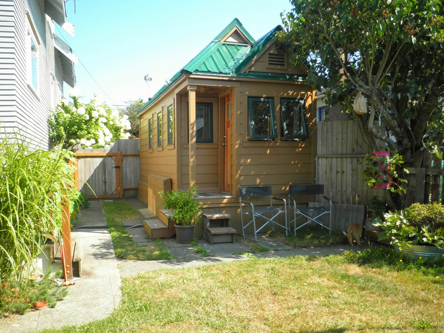 mini-mobile-cottage-1