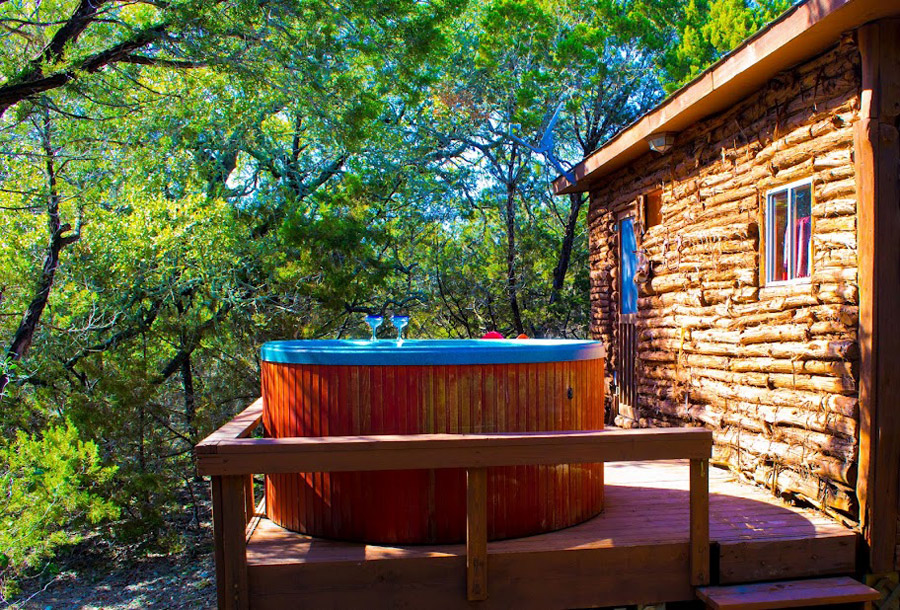 Wimberley cabin tiny house swoon for Texas cabins in the woods