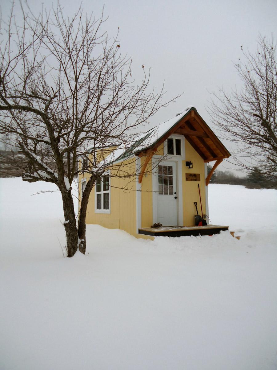 keep-on-the-sunny-side-tiny-house-1