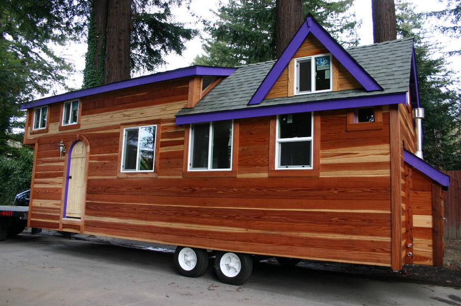 355 square feet tiny house on wheels p r e p p e r o l o for Micro homes on wheels