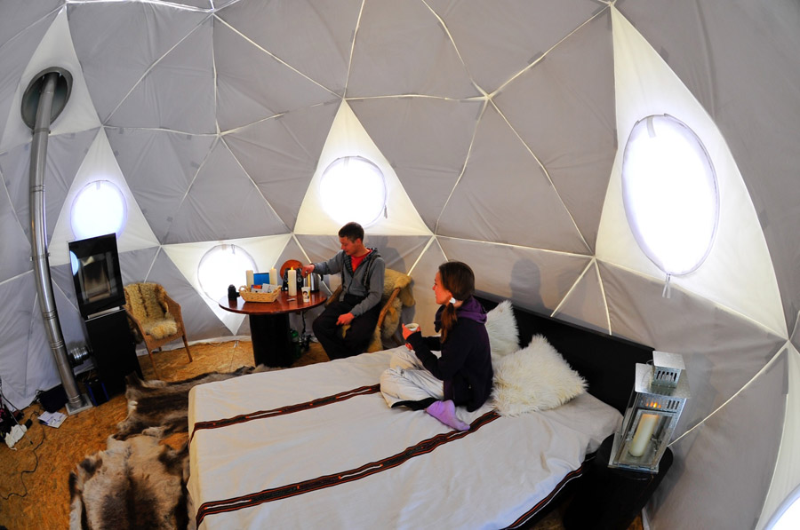 Tiny swiss geodesic dome tiny house swoon for Tiny haus schweiz