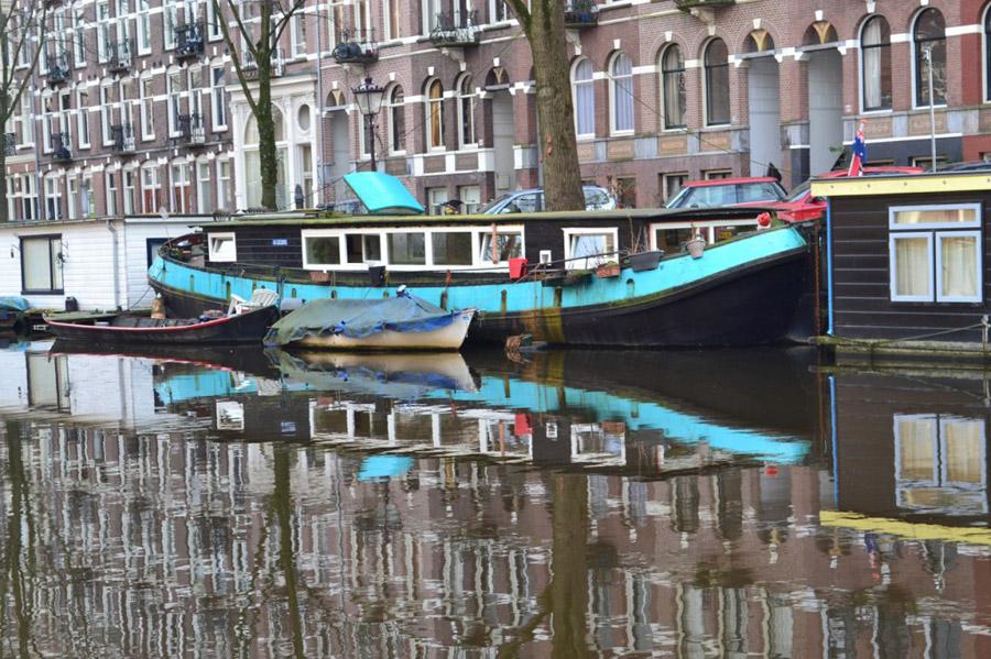 amsterdam-houseboat-1
