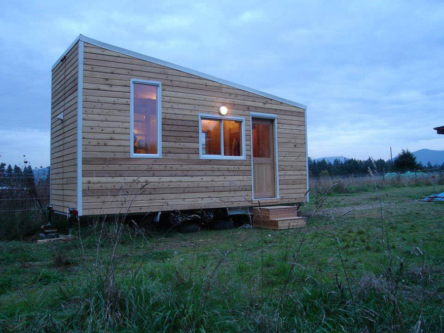 Groovy Loras Tiny House Tiny House Swoon Largest Home Design Picture Inspirations Pitcheantrous