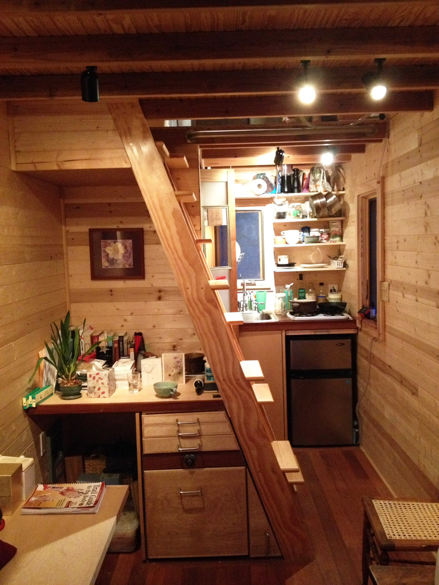 Linn a s tiny house tiny house swoon Interior pictures of tin homes