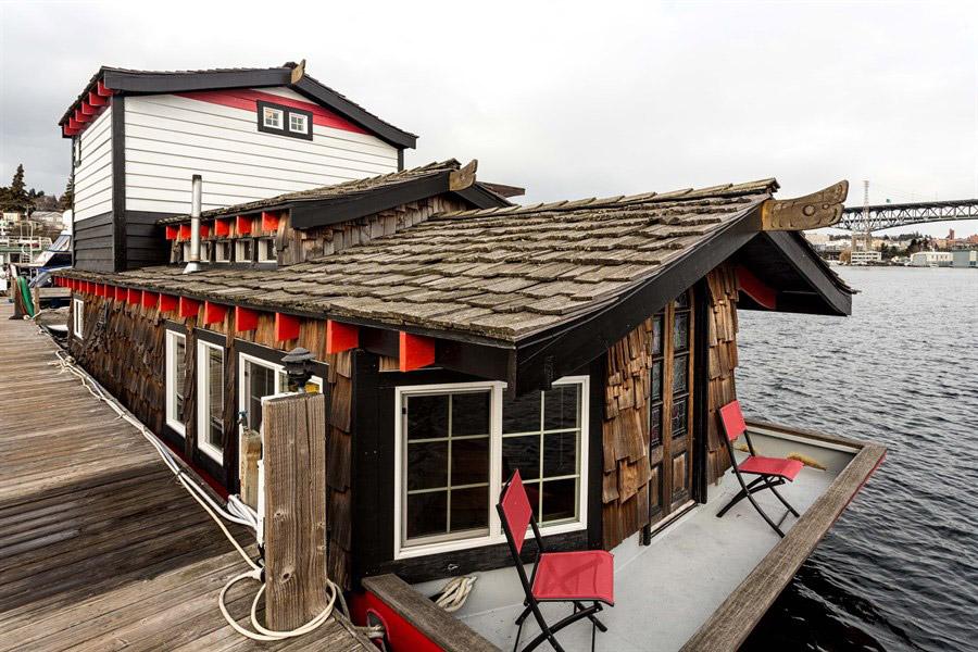 haida-houseboat-1