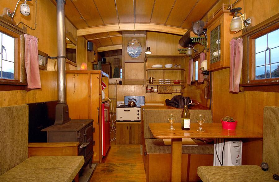 golden-bay-house-truck-2