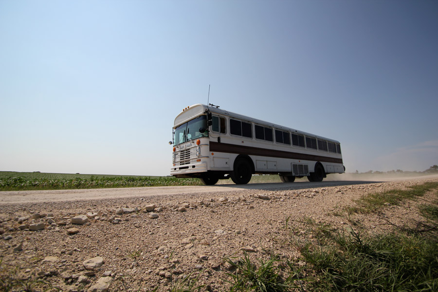 new-oregon-trail-bus-1