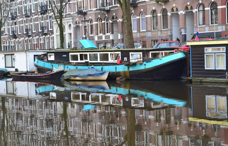 amsterdam-canal-boat-1