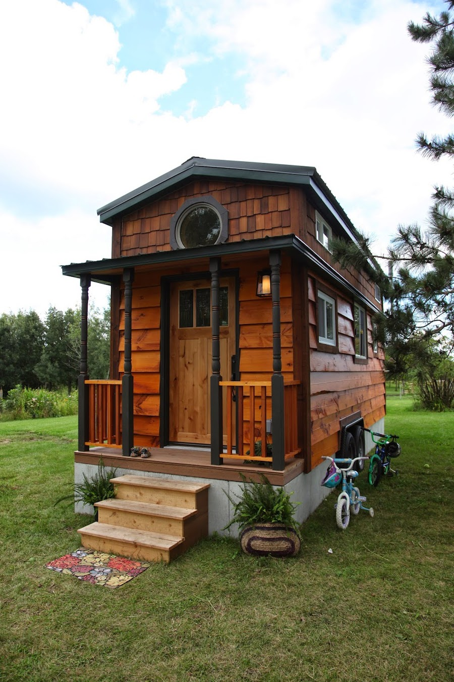 Kasl family tiny house tiny house swoon for Building a house in minnesota