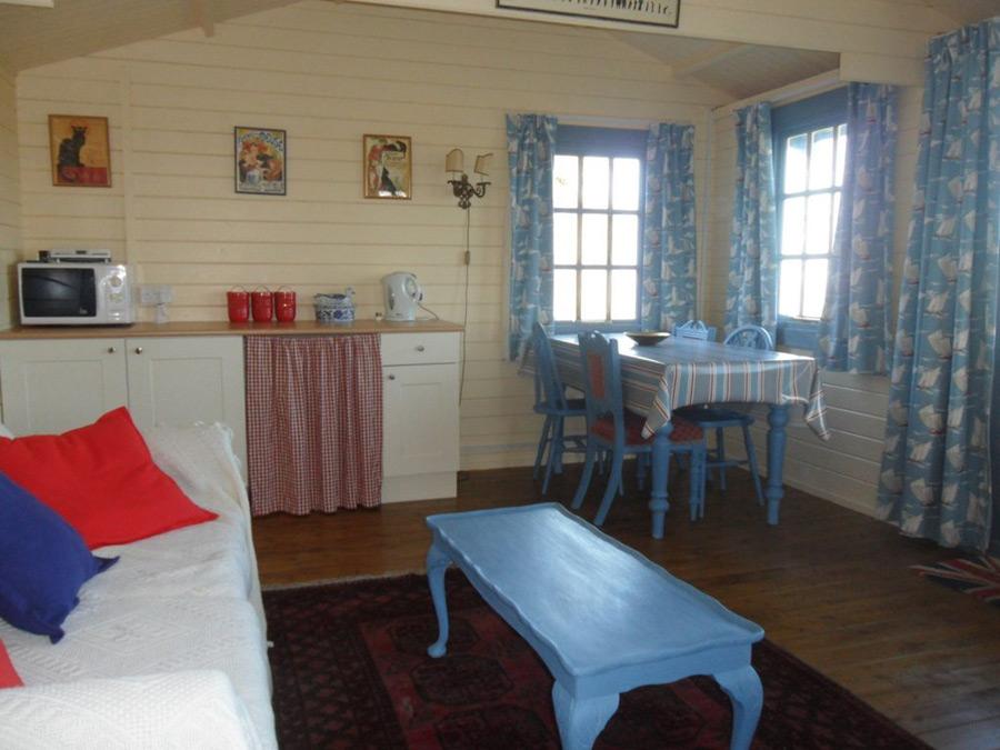 pembrokeshire-log-cabin-3