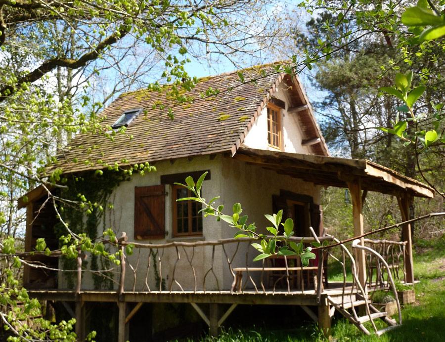 poachers-cabin-1