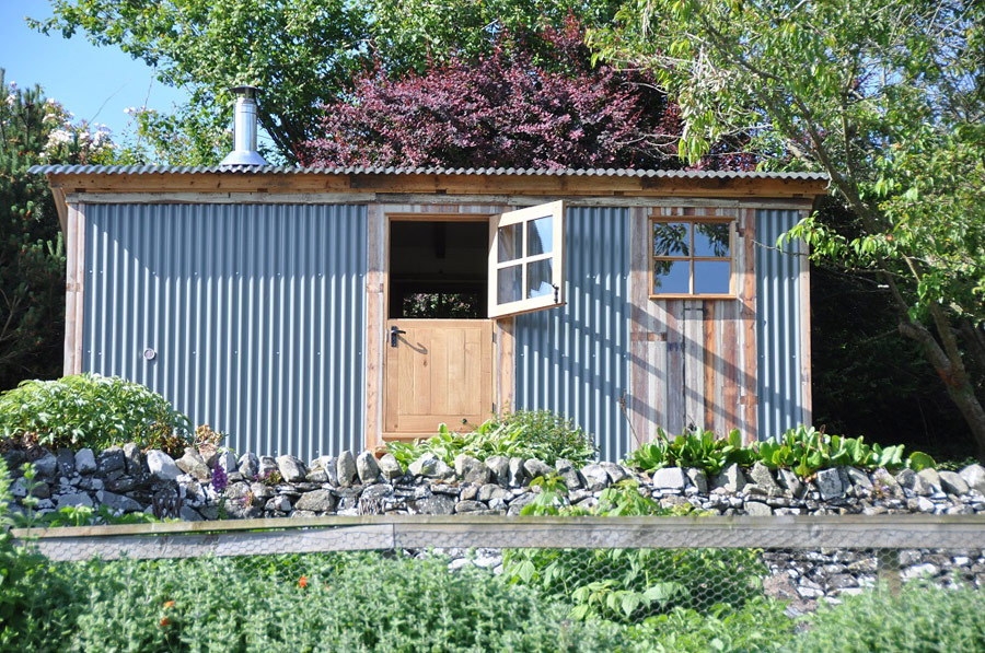 gardeners-hut-1