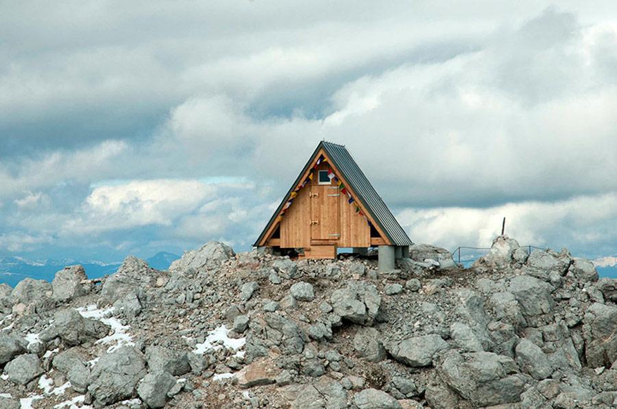 mountaintop-cabin-giovanni-pesamosca-1
