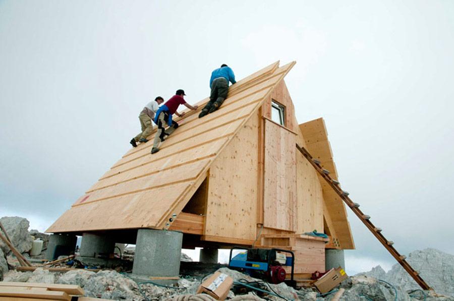 mountaintop-cabin-giovanni-pesamosca-5