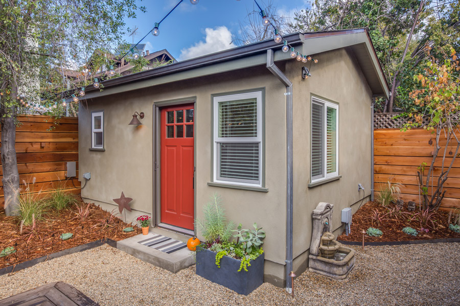 Oakland casita tiny house swoon for Small casita designs
