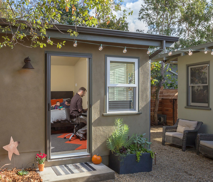 Oakland Casita Tiny House Swoon