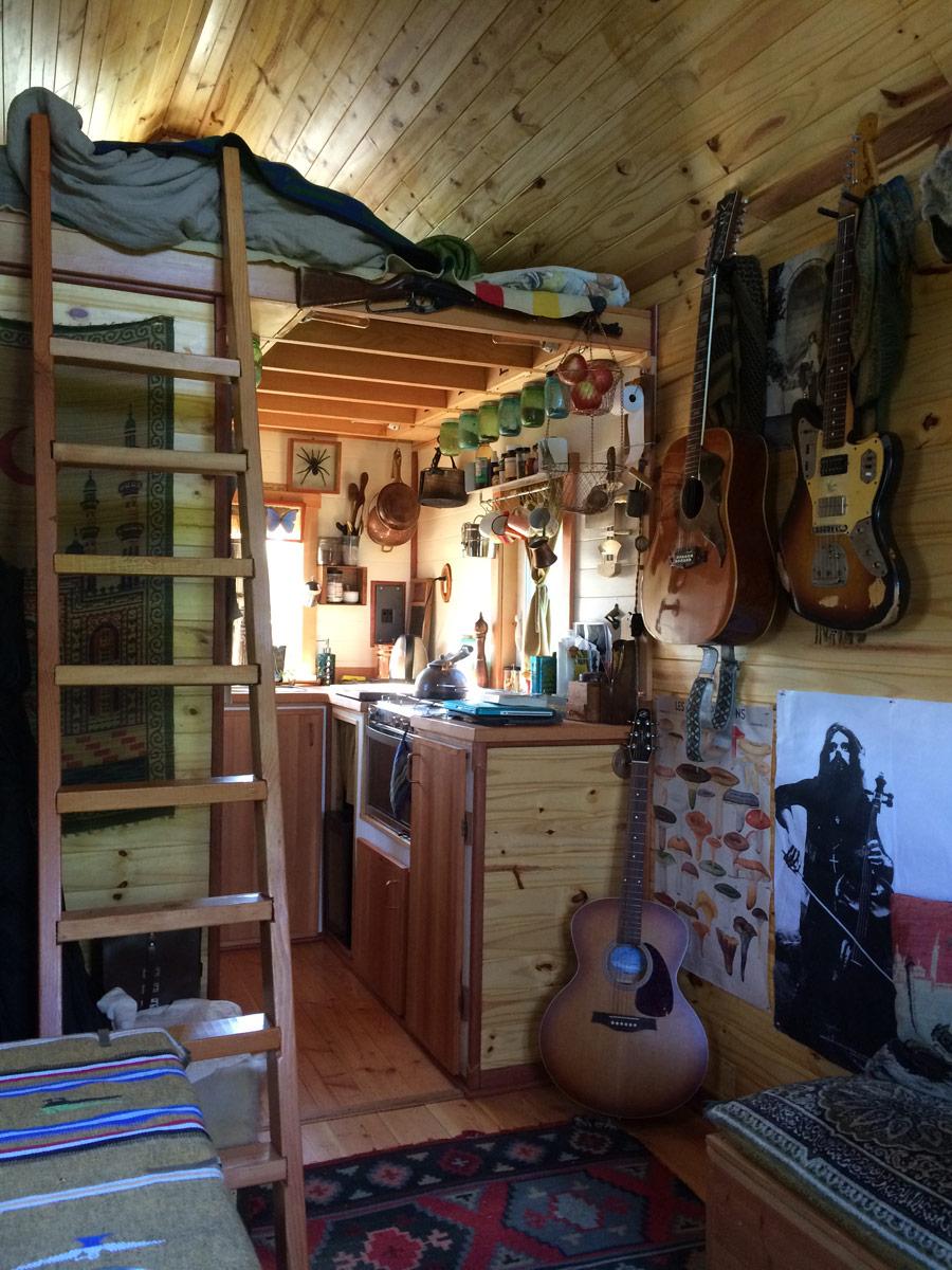 point-robinson-cabin-3
