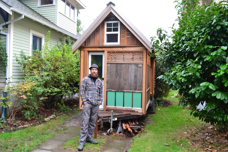 simon-lyle-tiny-house-1