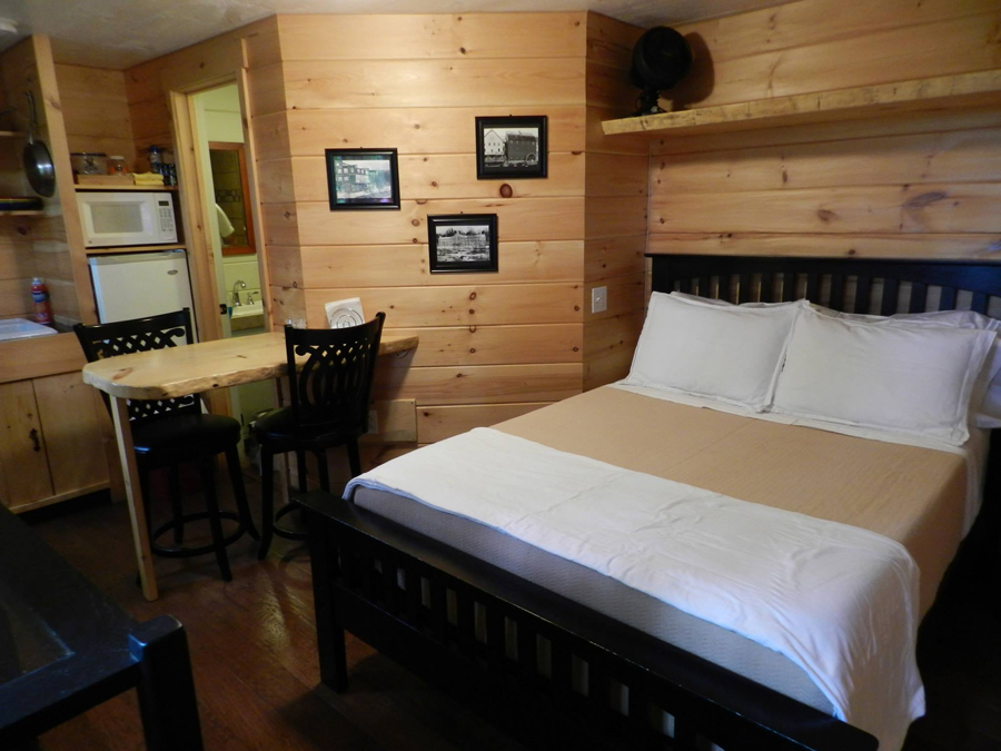 vermont-tree-cabin-7