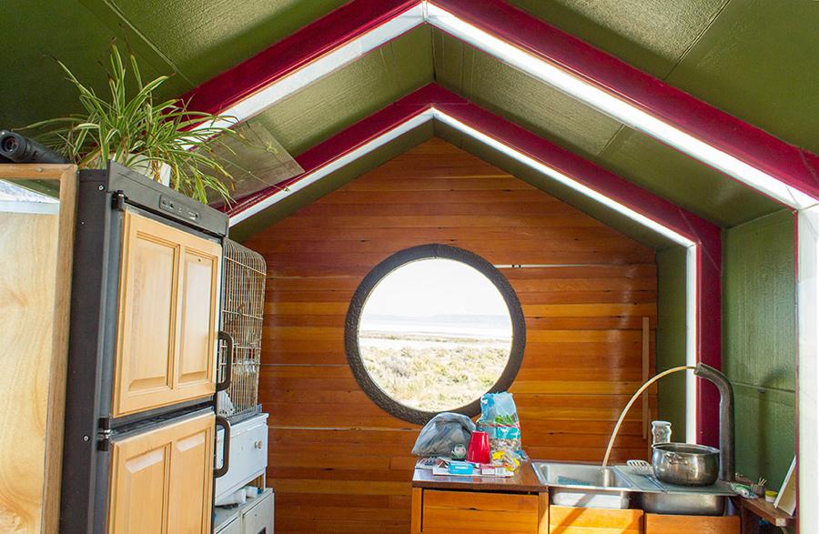 alvord-desert-tiny-house-4