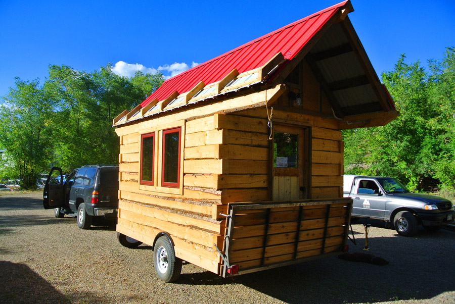 Stanley tiny house swoon for Tiny mountain homes